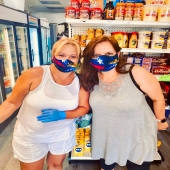 happy clients with their masks from Venezuela🇻🇪 textile and manufacturing @americanspandex_inc.  They are made of neoprene and lining you choose it to your liking.🇺🇲 #miami #venezuela #fabric #americanspandexfabric #venezuela #cool #masks #haileah #florida #textile #manufacturing